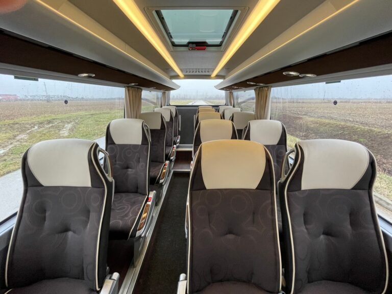 Najam autobusa Mercedes Sprinter Travel